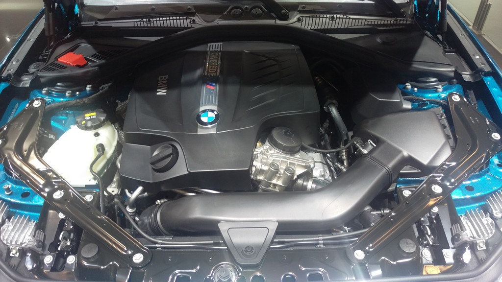 Bmw M2 Coupe Engine Photos At Brussels Auto Salon 2016