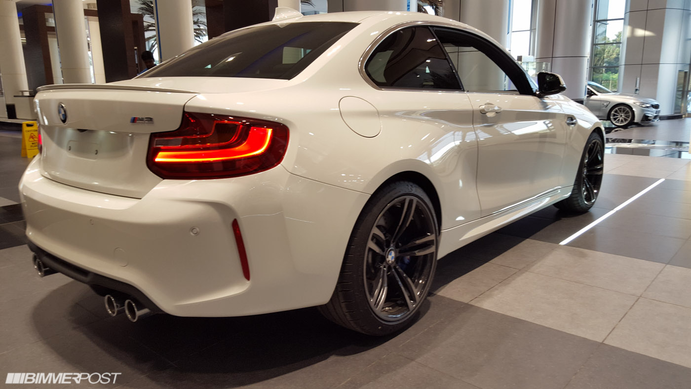 My 2016 bmw m2 f87 delivered in abu dhabi uae for Chrome line exterieur