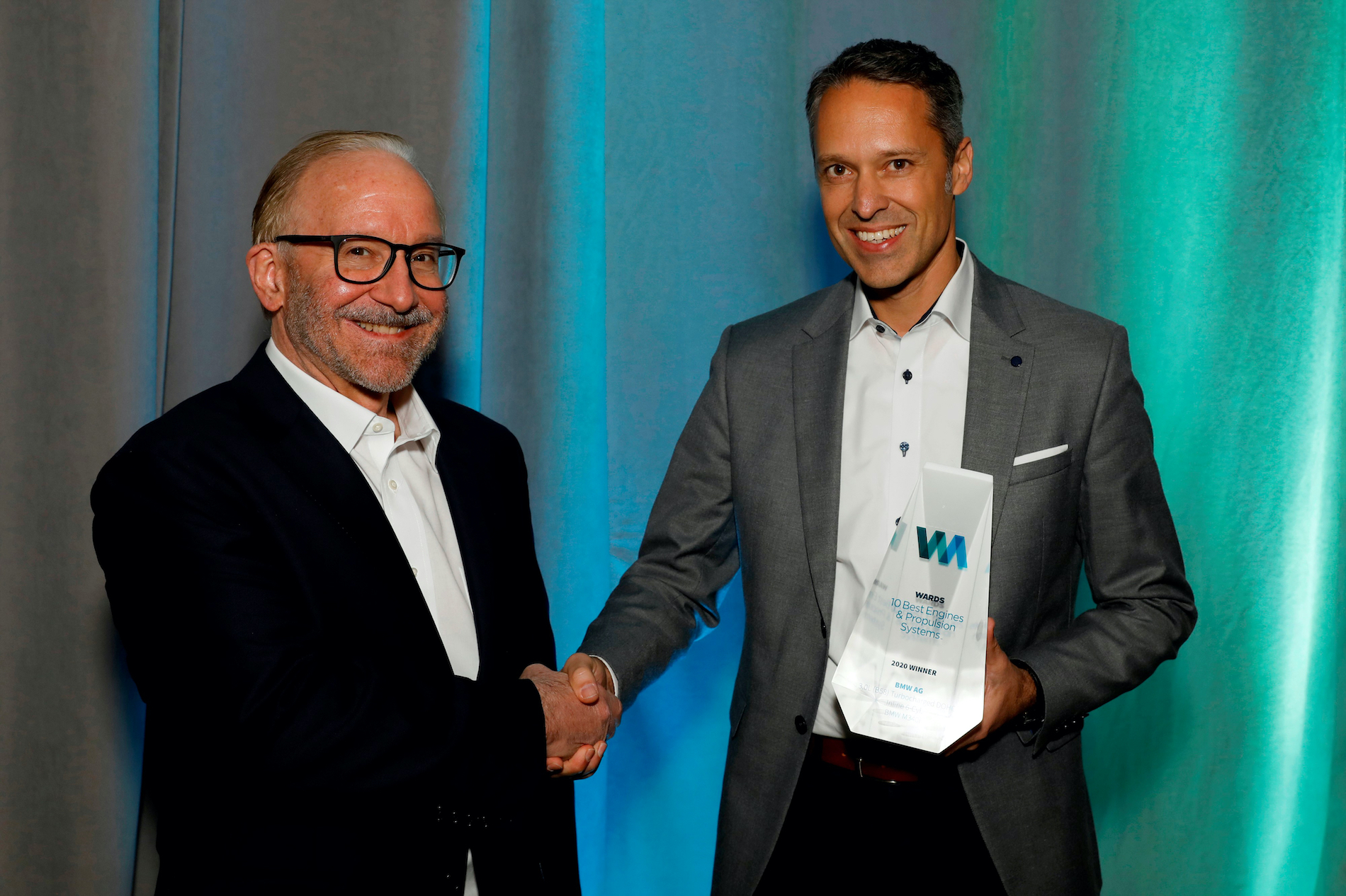 Name:  Ralph_Mahler_Accepting_2020_Wards_10_Best_Engines_and_Powertrain_Award.jpg Views: 11490 Size:  1.99 MB
