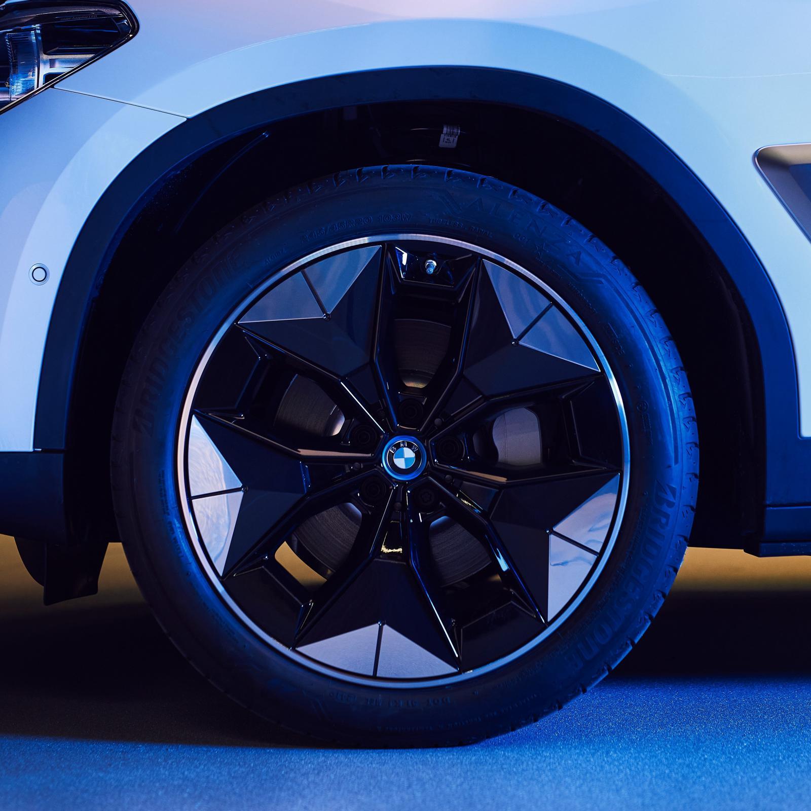 Name:  BMW iX3 i4 Aerodynamic Wheels1.jpg Views: 4311 Size:  215.5 KB
