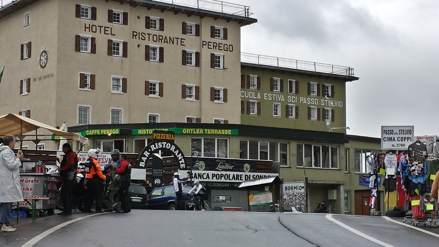 Name:  Stelvio hotel   Perego 20140901_121151_Richtone(HDR).jpg Views: 476 Size:  128.1 KB