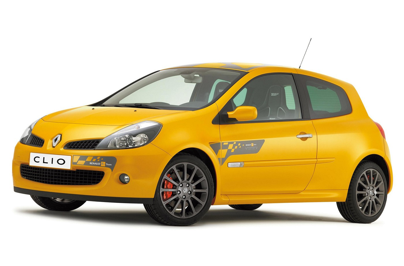 Name:  renault-r.s.-01-glimpsed-prior-to-the-moscow-debut-in-august-2.jpg Views: 1085 Size:  153.7 KB