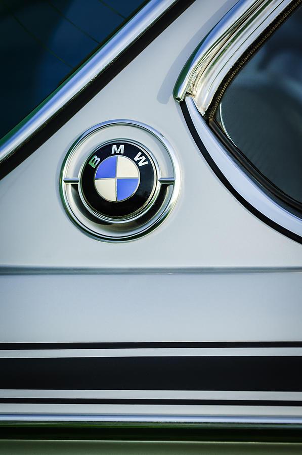 Name:  1973_BMW30_CSL_SideEmblem.jpg Views: 81885 Size:  75.3 KB